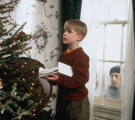 home-alone-1990-macaulay-culkin-and-joe-pesci