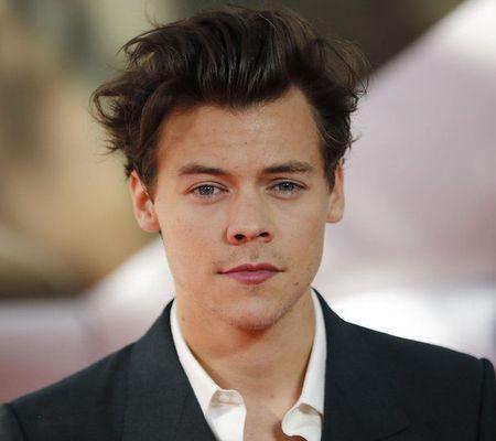 Harry Styles ar putea fi următorul James Bond