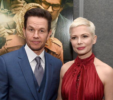 "Mark Wahlberg a donat banii primiți pentru refilmările ""All The Money in the World"". Care a fost reacția lui Michelle Williams"
