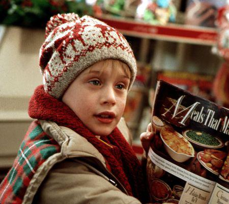 HOME ALONE, Macaulay Culkin, 1990. TM & Copyright (c) 20th Century Fox Film Corp. All rights reserve
