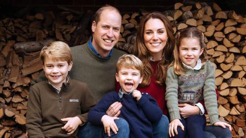 Kate Middleton, Prințul William și copiii lor au fost văzuți mâncând burgeri și cartofi prăjiți