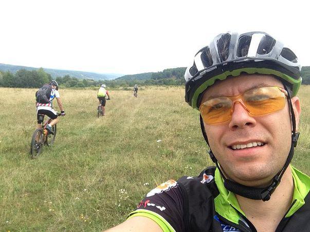 Daniel Osmanovici descoperă România de pe bicicletă