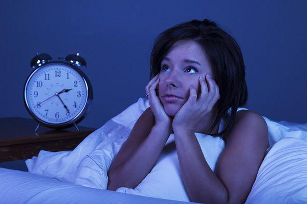 E normal să te trezești noaptea de mai multe ori? Află ce spun specialiștii