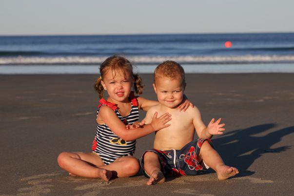 vitamine necesare pentru o vara fara probleme / copii la plaja