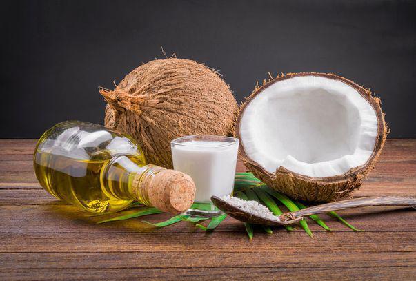 alimente și băuturi care țin de cald - uleiul de cocos