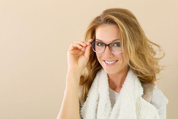 Ochelarii de vedere. Cum să îi întreții ca să reziste mulți ani