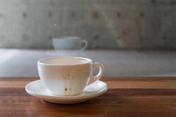 Cum să scapi rapid de petele de cafea
