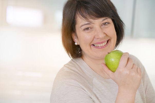 Femeile la menopauză sunt mai predispuse la obezitate