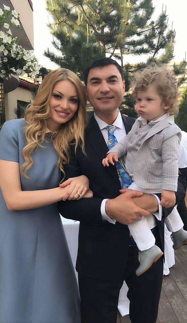 Valentina Pelinel a devenit mama a doua oară. A născut două fete perfect sănătoase