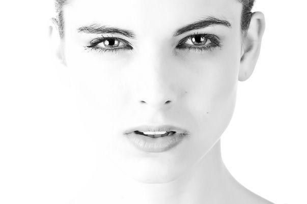 6 măști faciale homemade pentru pielea sensibilă
