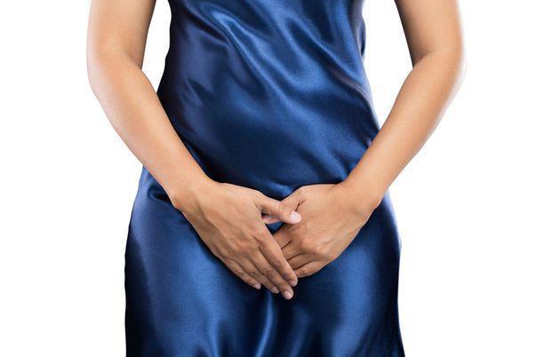 Obstrucția ureterală este o afecțiune care, în lipsa tratamentului, poate conduce la complicații grave. Imagine cu femeie care suferă de obstrucție ureterală