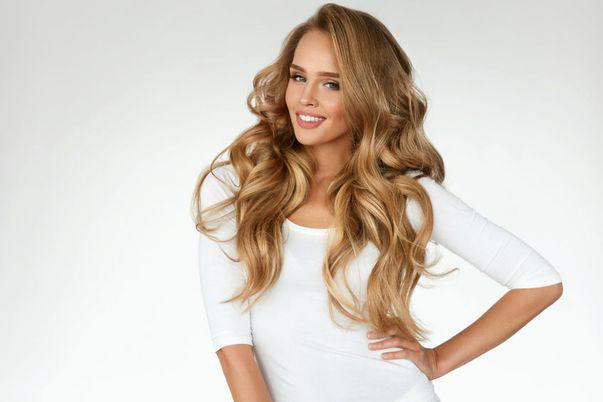 Sfaturi utile să-ți aranjezi zilnic părul rapid și chic