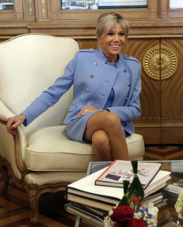 Ce mănâncă prima doamnă a Franței pentru a se menține în formă. Secretele siluetei ei au fost dezvăluite de bucătarul palatului Elysee