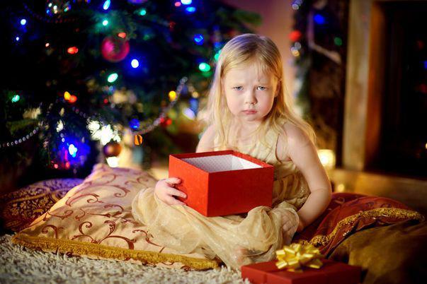 Când Moș Crăciun nu poate fi prea darnic... Cum poți avea, totuși, Sărbători fericite