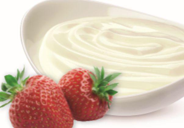 Cremă de iaurt şi mascarpone cucăpşune - Reteta Elenei Lasconi