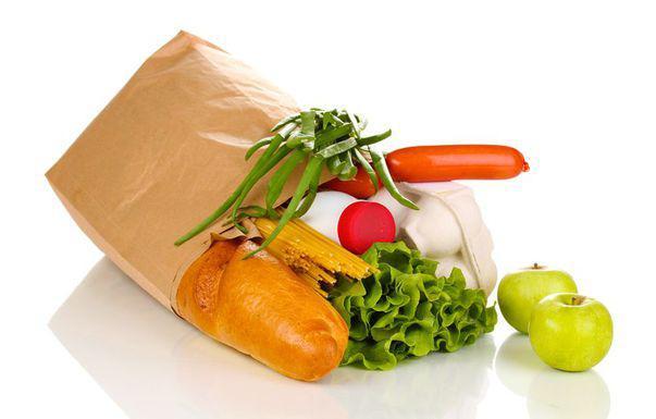 Nu mai arunca pungile de hârtie de la cumpărături. Iată cum le poți refolosi!