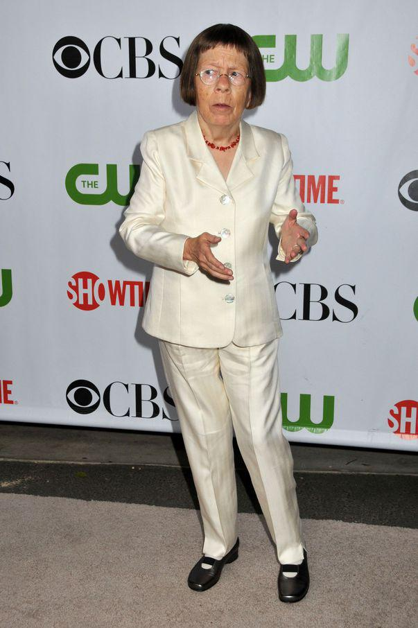 Linda Hunt a avut un accident de masina