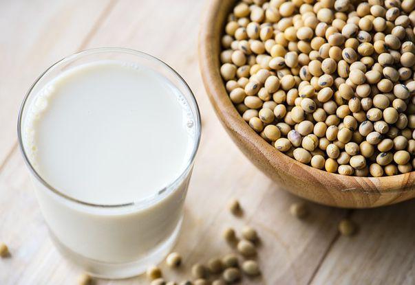 Bei lapte de soia? Ai habar ce conține? Studiu pe produsele de pe piața românească