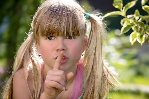4 beneficii surprinzătoare ale uleiului de tea tree în tratamentul păduchilor la copii