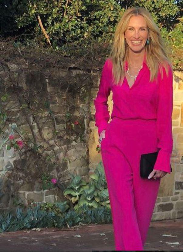 Julia Roberts s-a vopsit roz