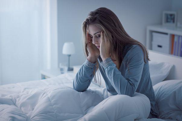 8 greșeli din cauza cărora nu te poți odihni noaptea