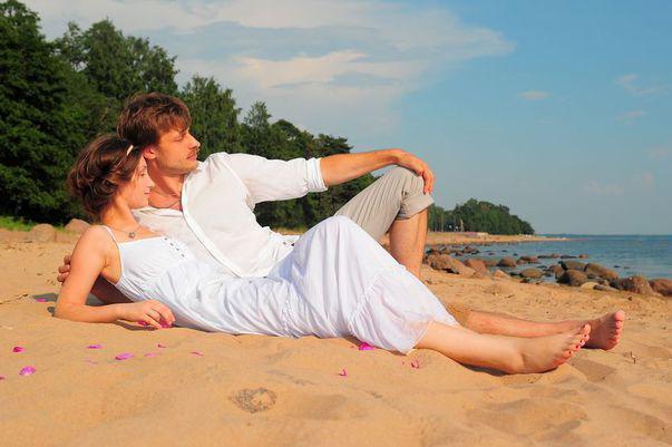 """Silver Bay"" de Jojo Moyes, poveste de dragoste pe malul oceanului"