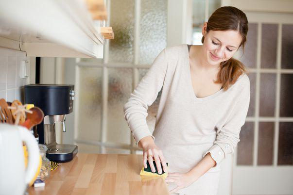 3 obiecte comune din casă pe care se acumulează bacterii. Ce soluții ai la dispoziție