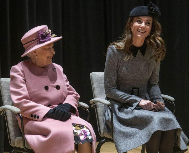 regina i-a acordat cel mai inalt titlu lui Kate Middleton
