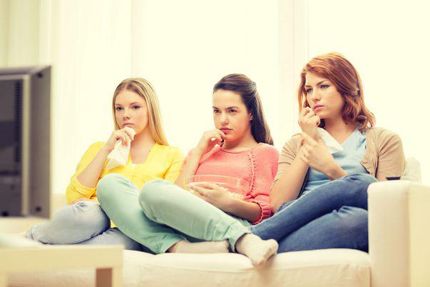 5 motive pentru care oamenii care plâng la filme sunt mai puternici emoțional
