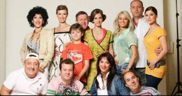 Cum s-au schimbat actrițele din serialul La Bloc. Uite cum arătau Laura Cosoi, Dana Rogoz și Tily Niculae în 2003