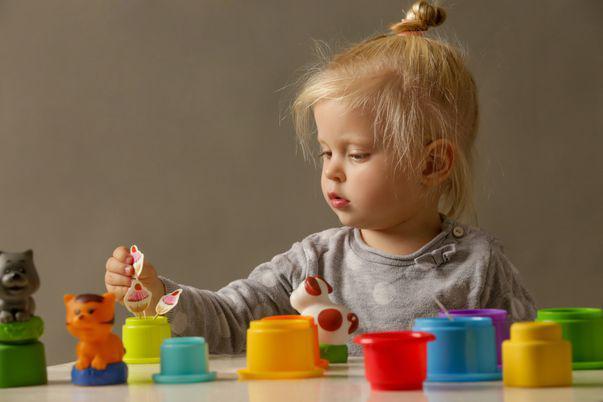 Cum să stimulezi inteligenţa copilului în primii 3 ani