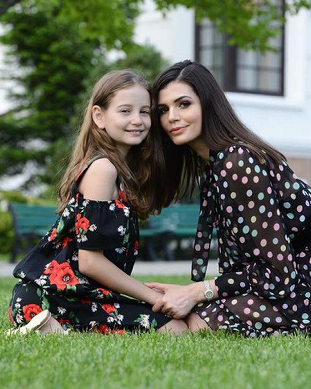 Irina Columbeanu se întoarce în România! S-a despărțit cu greu de Monica Gabor