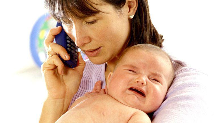 mame care folosesc des telefonul mobil