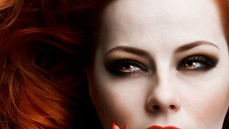Jocuri erotice de Halloween: cum faci sex cu un vampir