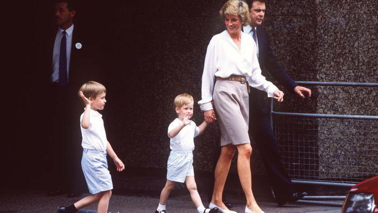 Printesa Diana cu fiii sai