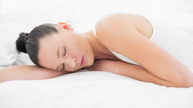 femeie-care-doarme