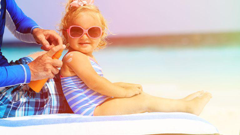 (P) Gerovital SUN, produsele perfecte pentru protecţia solară a micuţilor