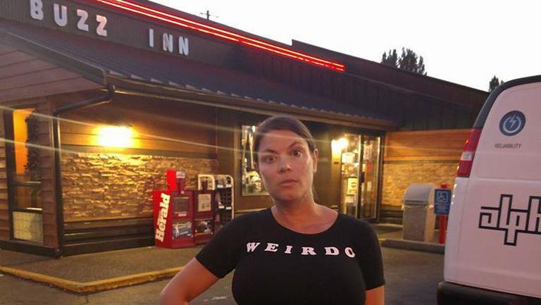 O femeie insarcinata cu gemeni a fost data afara dintr-un restaurant