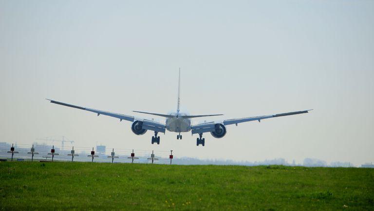 Un bebelus a murit in urma unui zbor cu avionul