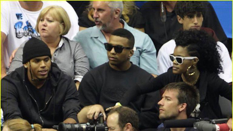Chris Brown a gasit sosia Rihannei