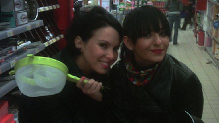 VJ Ela, Giulia (DJ Project) şi tigăile norocoase