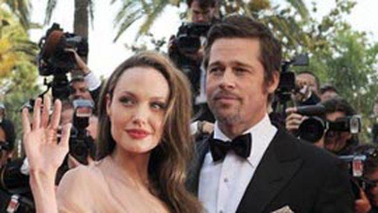 Angelina vrea să adopte din nou!