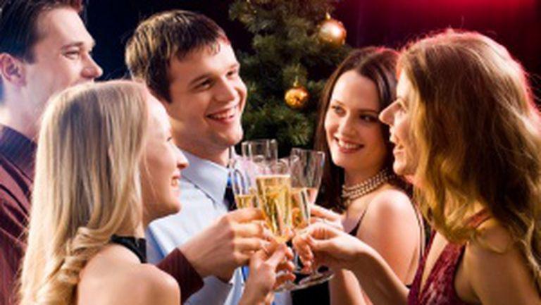 Ce să NU faci la petrecerile de Crăciun ale companiei