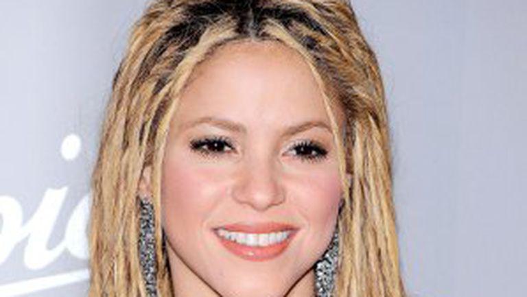 Shakira şi-a schimbat coafura