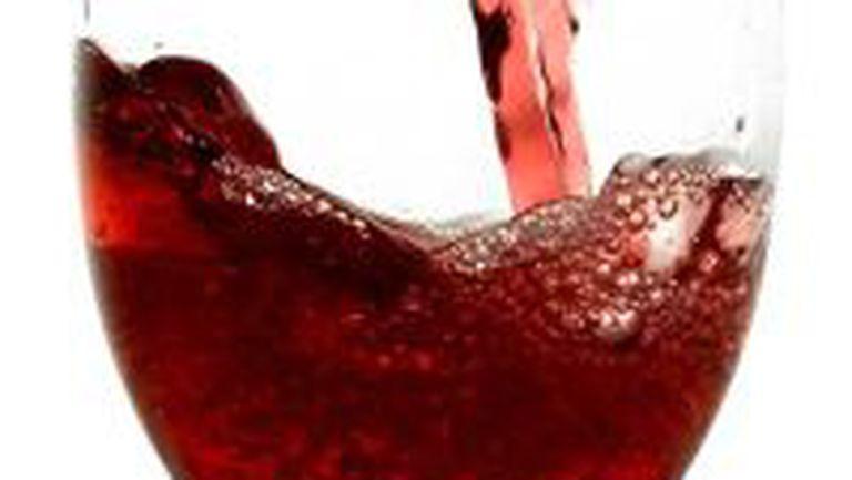 Alcoolul şi apa de gură vinovate pentru cancerul oral