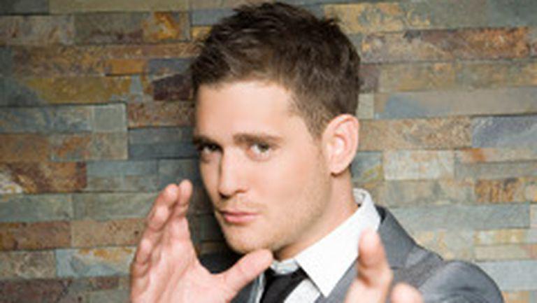 Michael Buble s-a logodit cu o actriţă de telenovele!