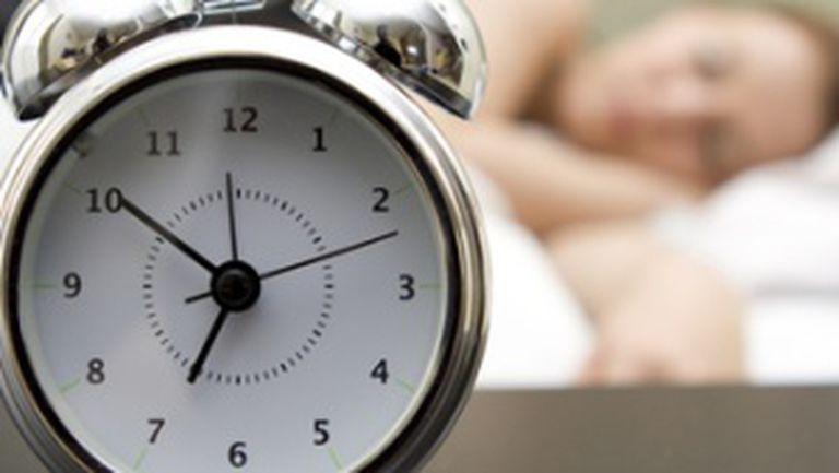 Cum să te trezeşti mai devreme şi mai uşor