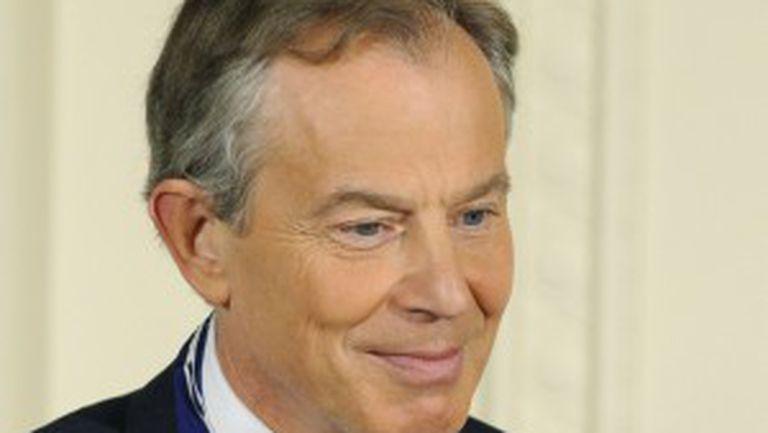 Louis Vuitton îl angajează pe Tony Blair