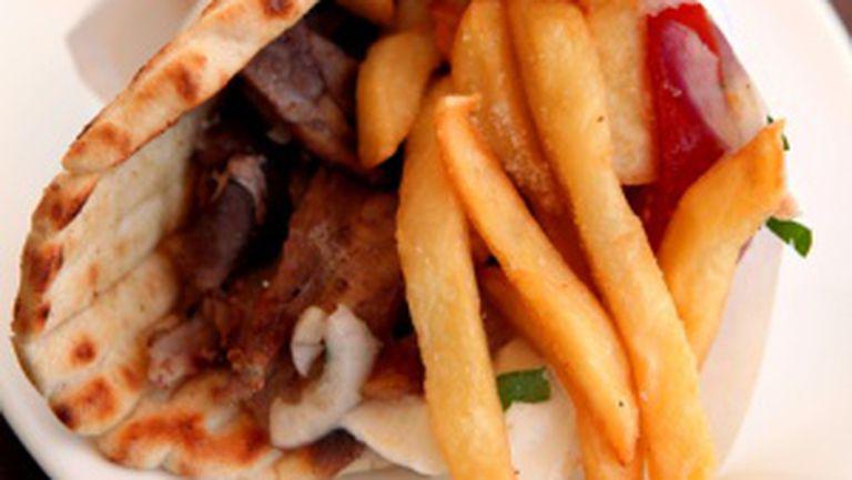 Taxă pe viciu pentru fast food şi dulciuri
