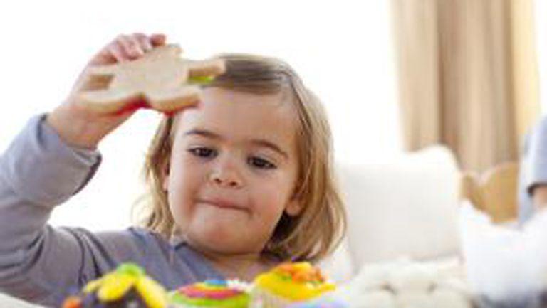 Copiii înnebuniţi după dulciuri ar putea deveni alcoolici